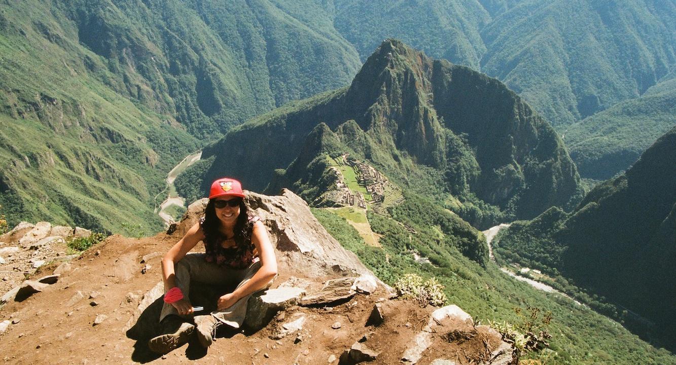 Vue sur la cité du haut de la montagne du Machu Pichu