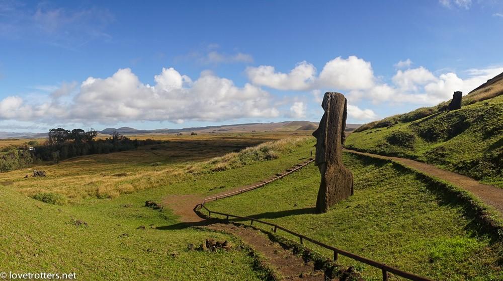 easter island ranu rarako moai