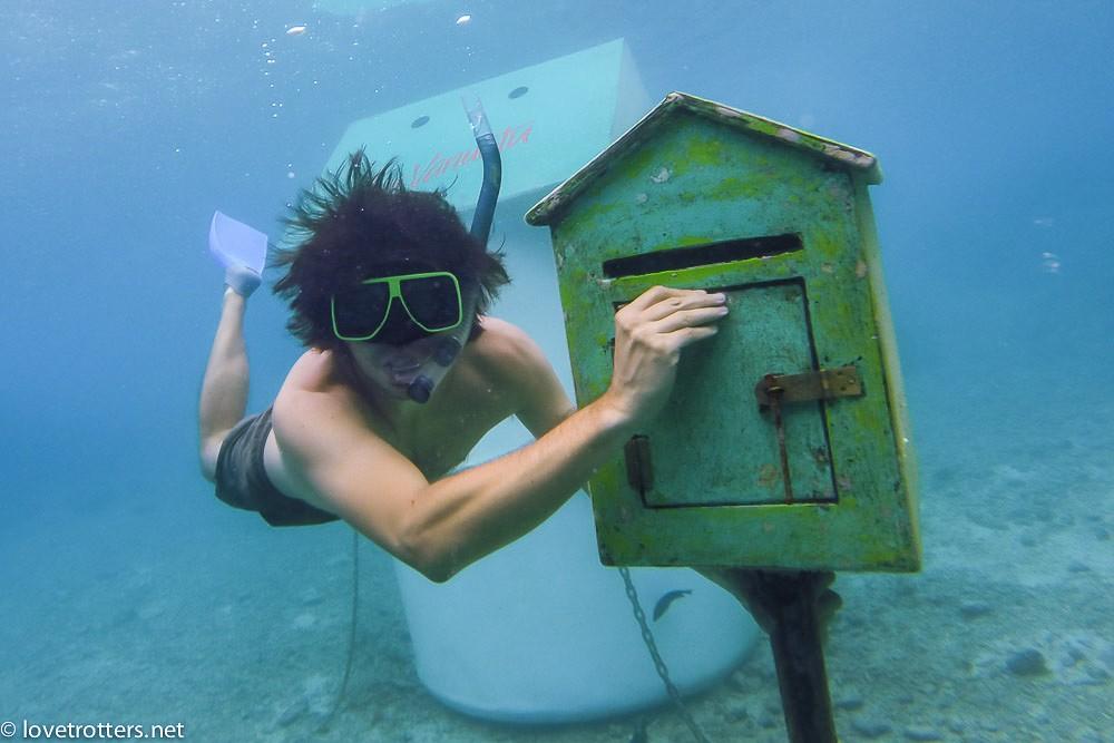vanuatu-underwater-post-office-port-vila-8755
