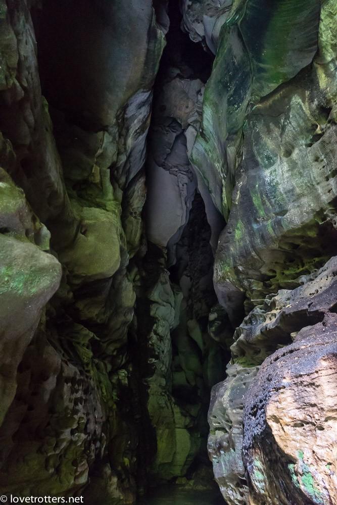 à la sortie de la grotte du millenium cave