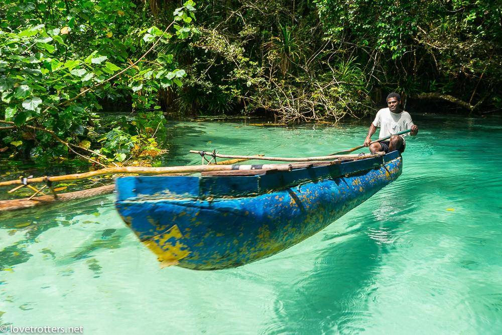 vanuatu-santo-riri-riri-blue-hole-07737