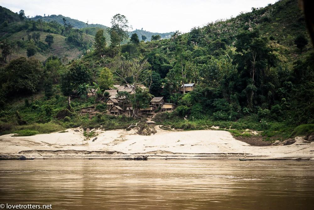 thailand-luang-prabang-slow-boat-00801