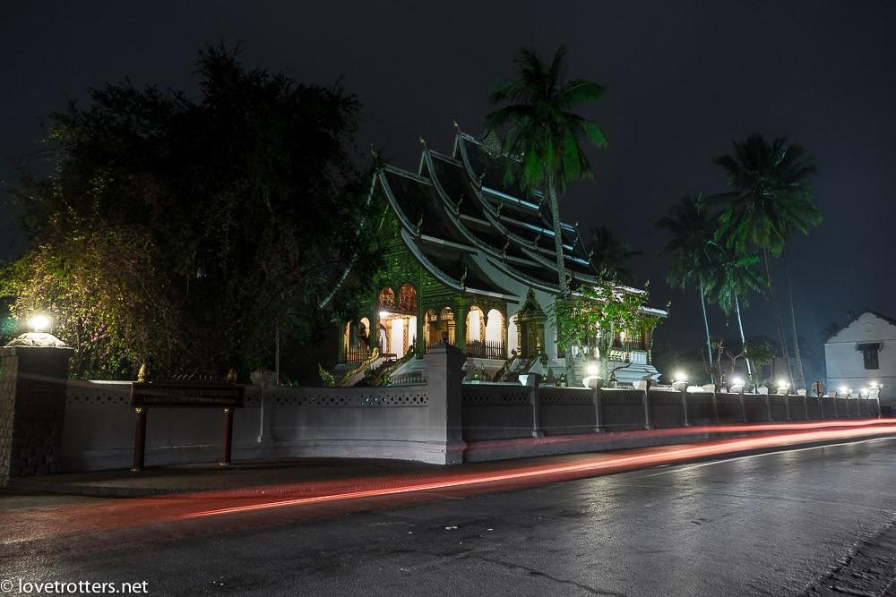 thailand-luang-prabang-tak-bat-01580