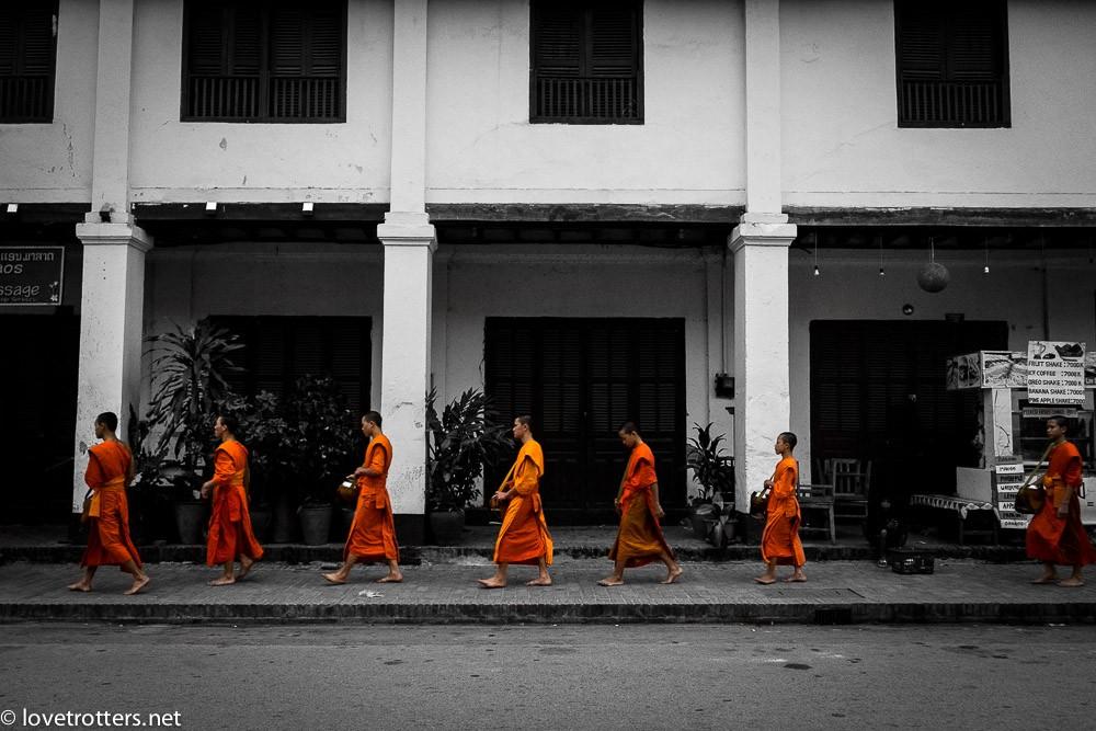 thailand-luang-prabang-tak-bat-01689