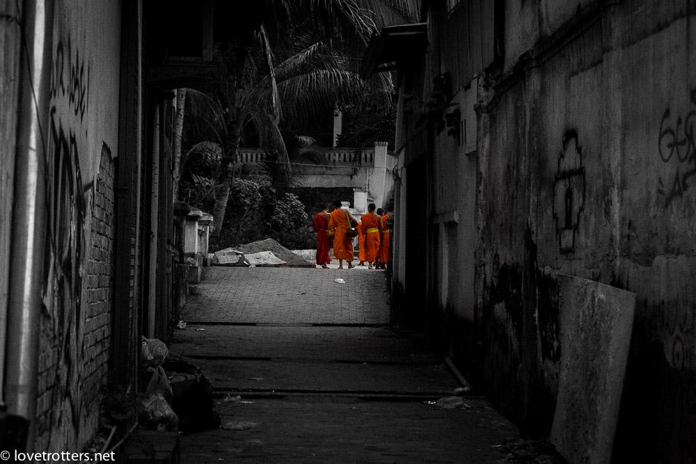 thailand-luang-prabang-tak-bat-01695
