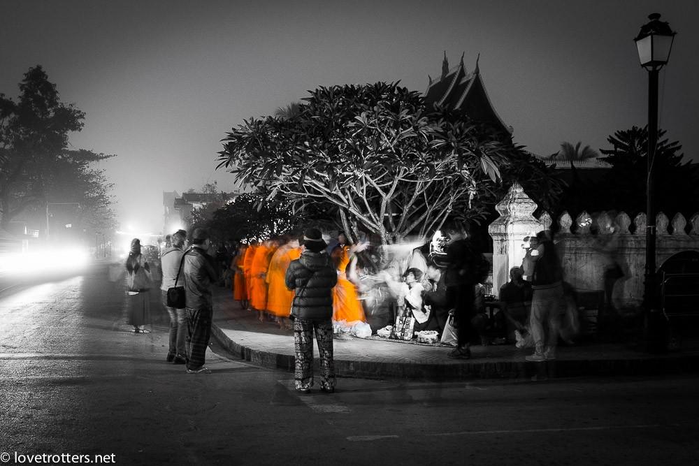 thailand-luang-prabang-tak-bat-02323