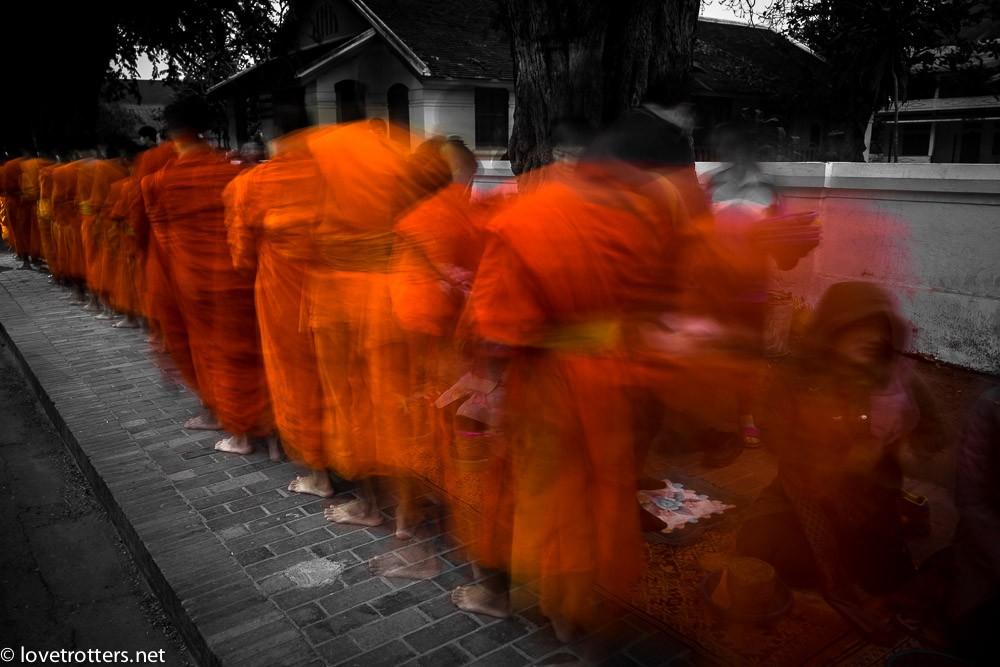 thailand-luang-prabang-tak-bat-02373