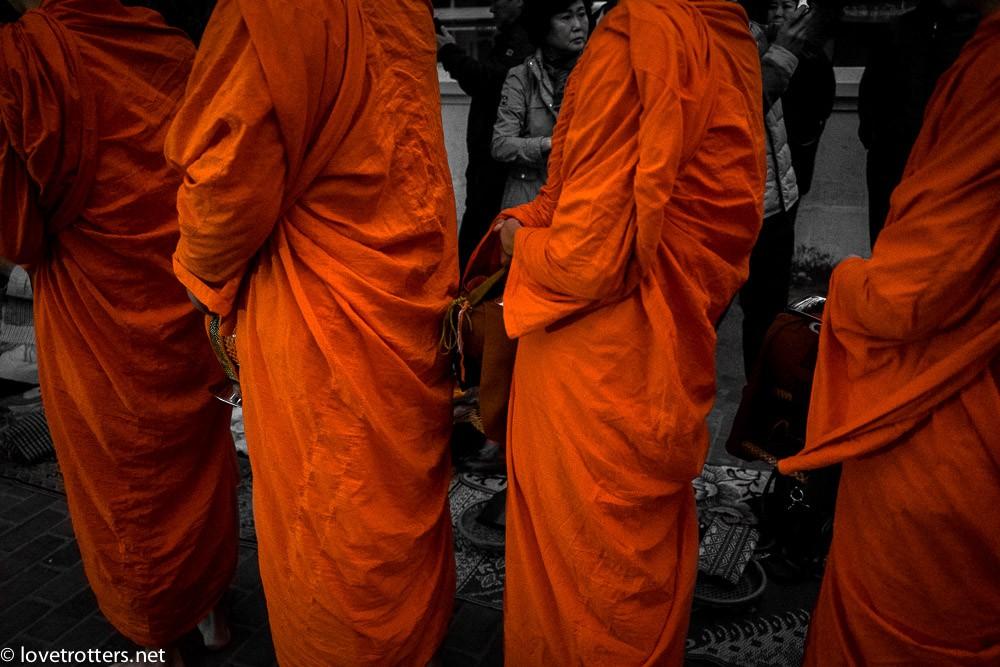 thailand-luang-prabang-tak-bat-02386