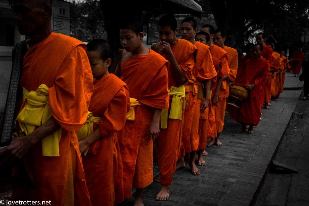 thailand-luang-prabang-tak-bat-02392