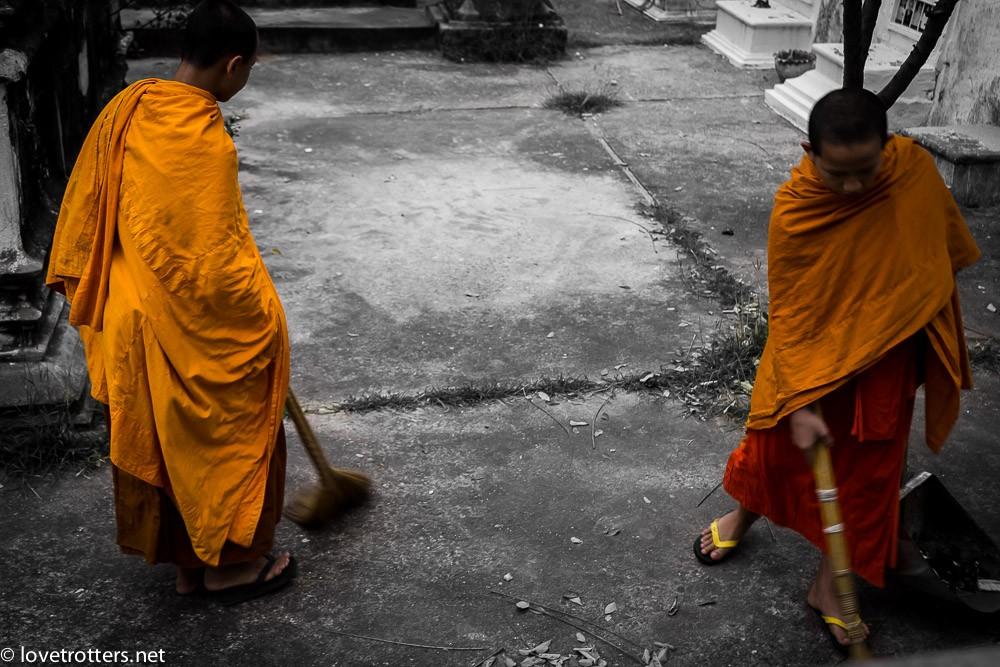 thailand-luang-prabang-tak-bat-02436
