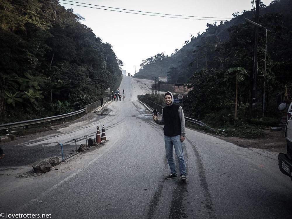 laos-vang-vieng-bus-from-hell-