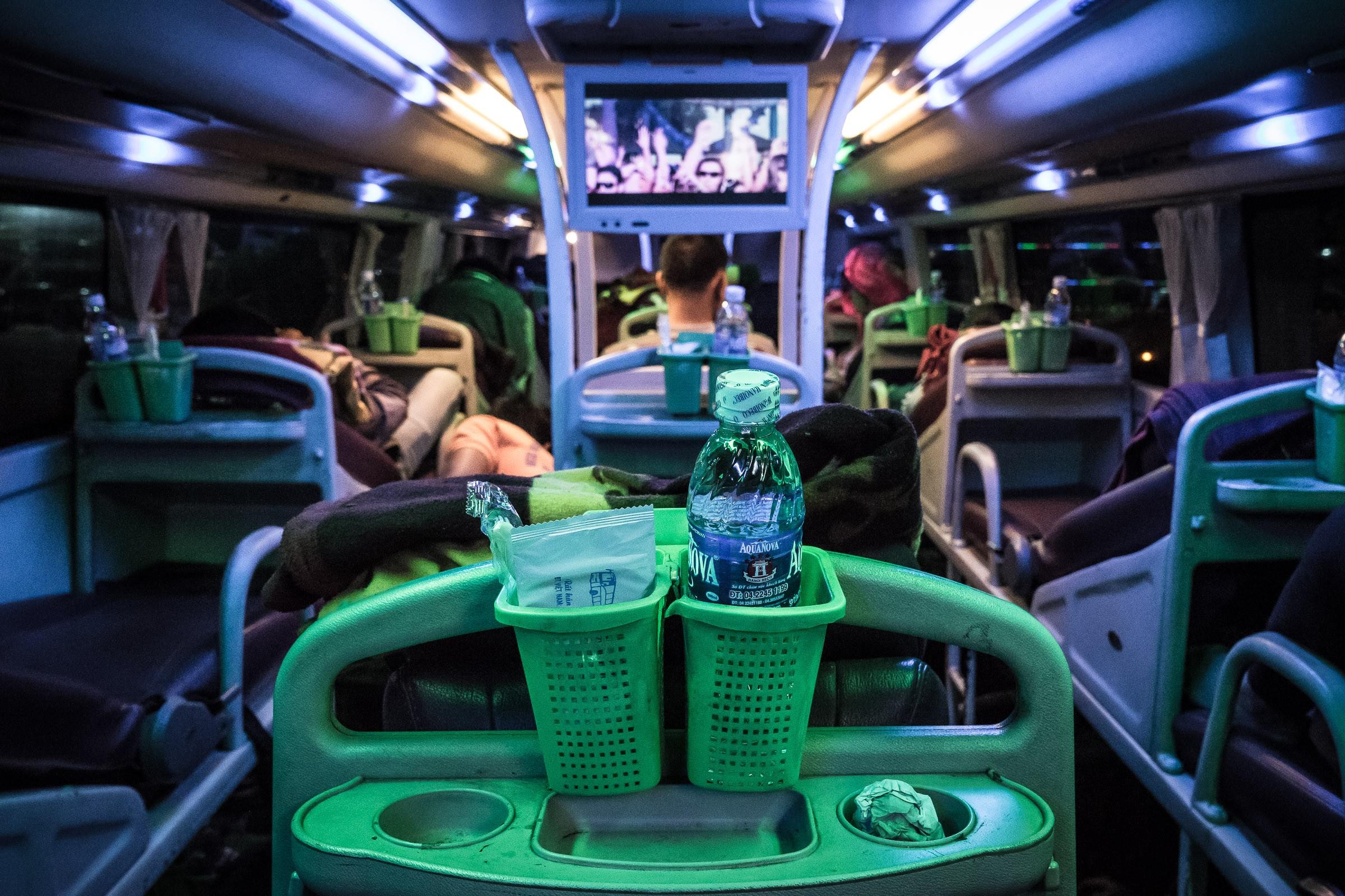 laos-vang-vieng-bus-from-hell-02622