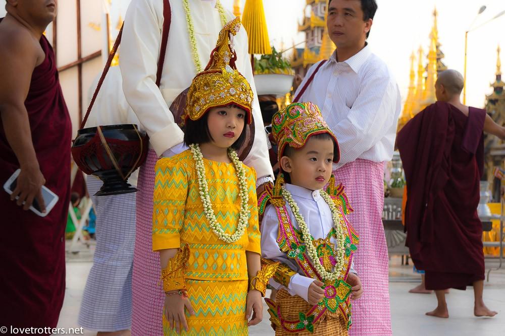 myanmar-yangon-shwedagon-pagoda-09093