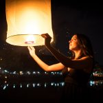 Lâcher de lampions volants pour le nouvel an à Chiang Mai