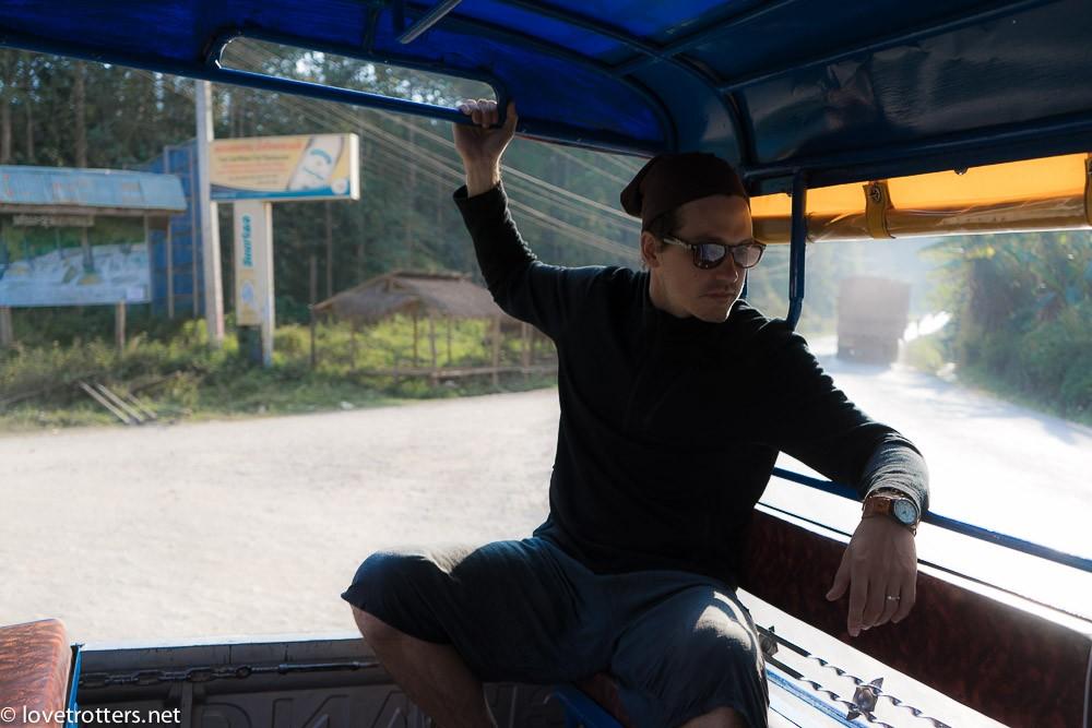 thailand-luang-prabang-tad-sae-waterfall-02088