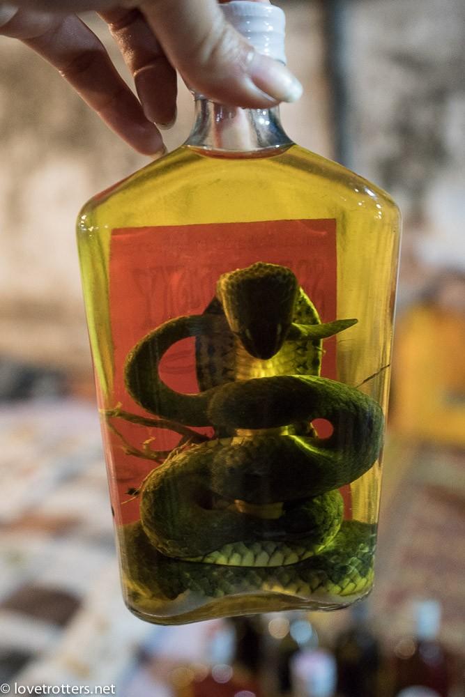 Laos-Luangprabang-whiskey-snake01137