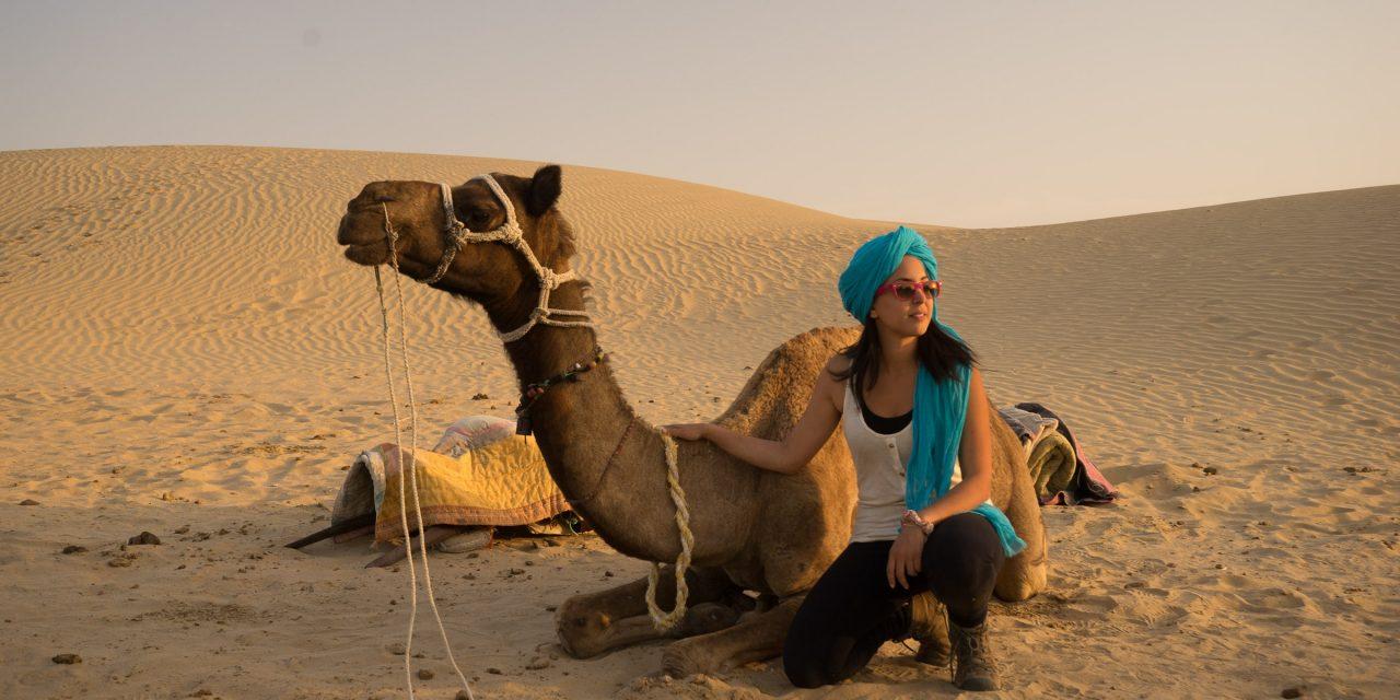Safari à dos de chameaux et camping à la belle étoile dans le désert de Jaisalmer