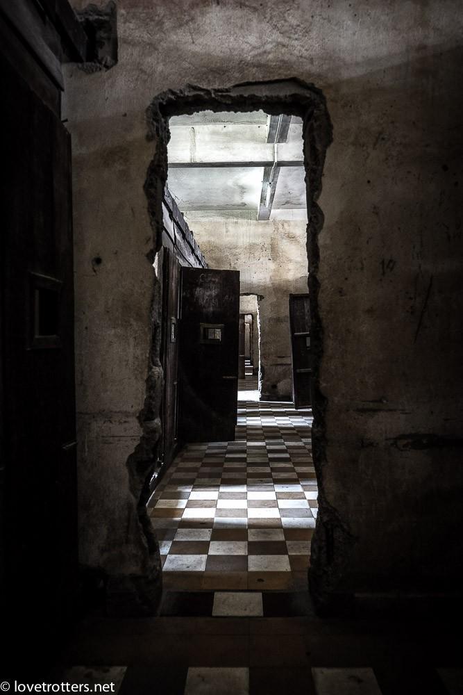 cambodia-phnom-penh-khmer-rouge-genocide-05628
