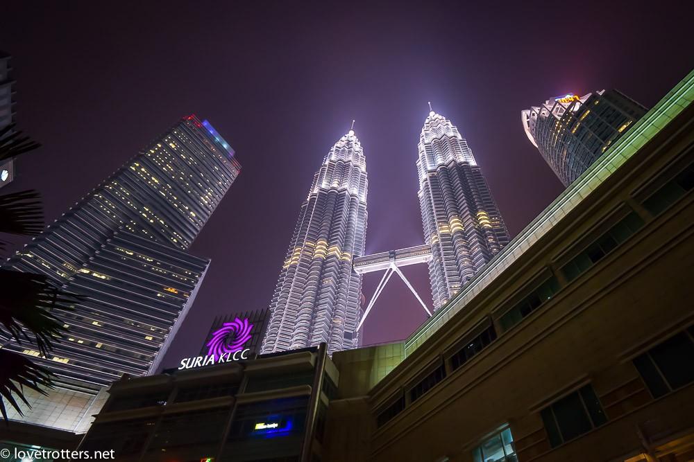 malaysia-kuala-lumpur-petronas-towers-03111