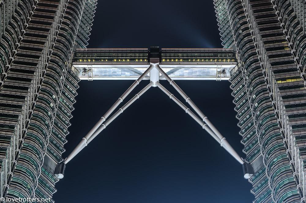 malaysia-kuala-lumpur-petronas-towers-7