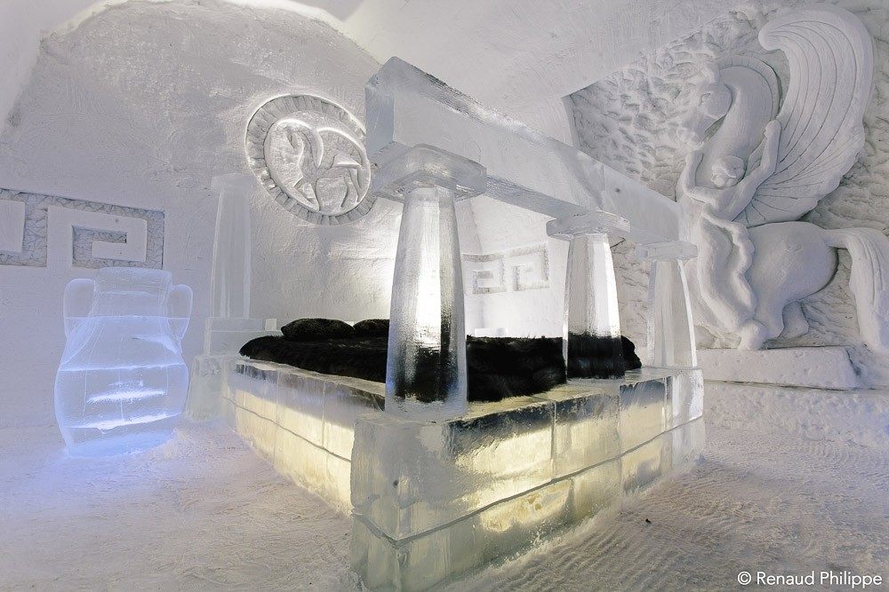 h bergement insolite dormir dans un h tel de glace qu bec lovetrotters. Black Bedroom Furniture Sets. Home Design Ideas