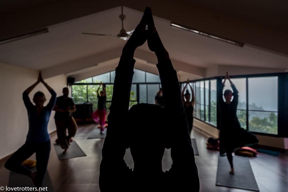 nepal-pokhara-yoga-08963