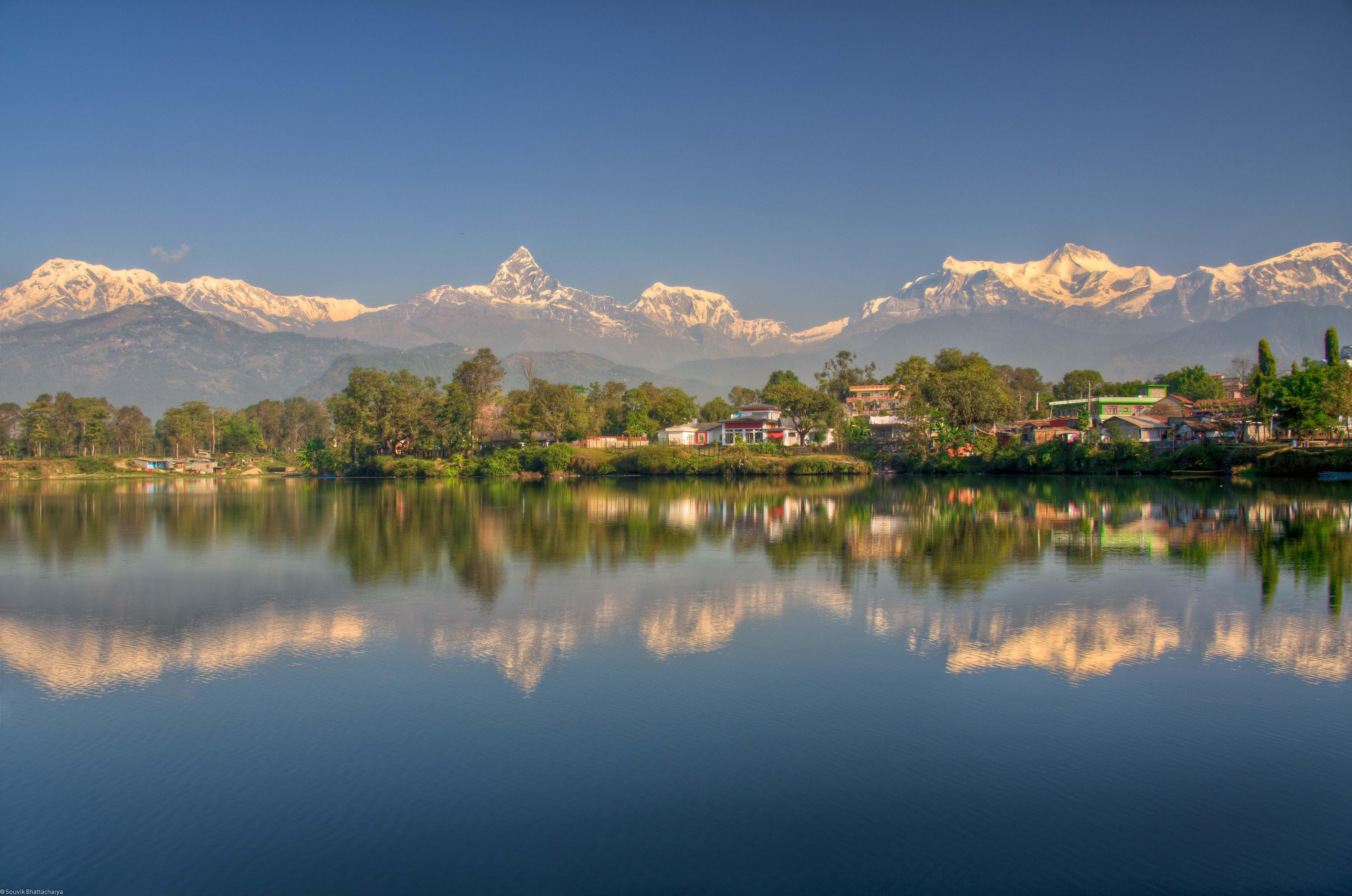 pokhara_reflexion_lake2