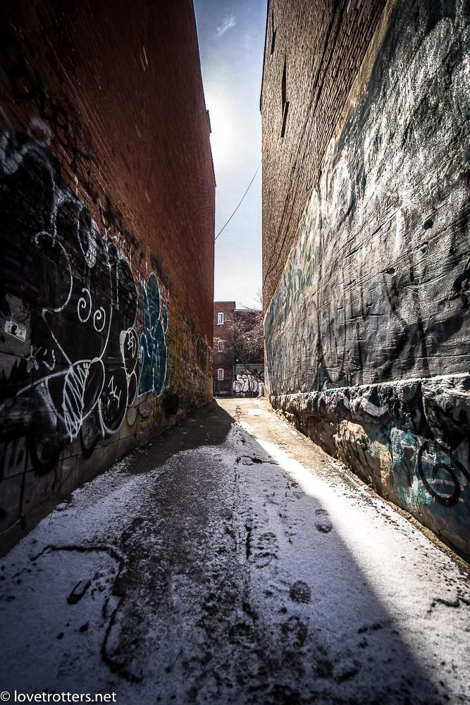 canada-montreal-street-art-00260