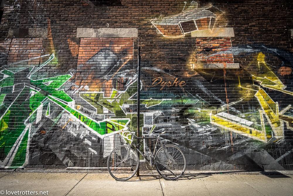 canada-montreal-street-art-00272