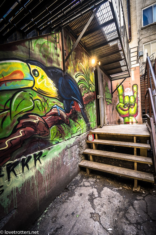 canada-montreal-street-art-00299