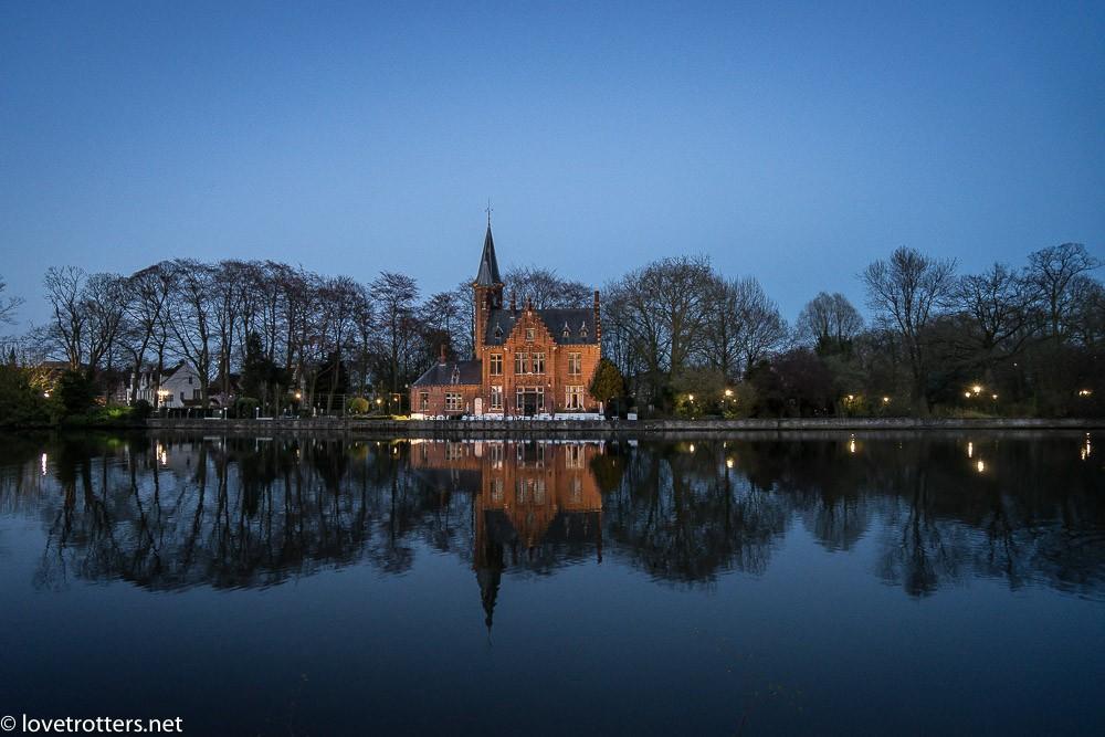 Belgique-Bruges-by-night-01070