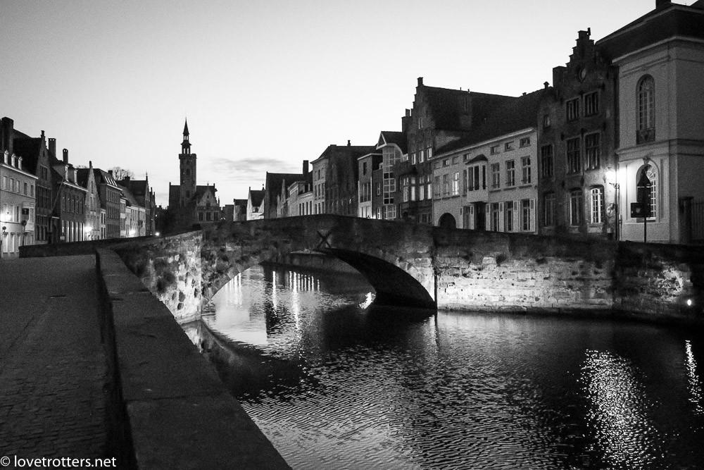 Belgique-Bruges-by-night-01288