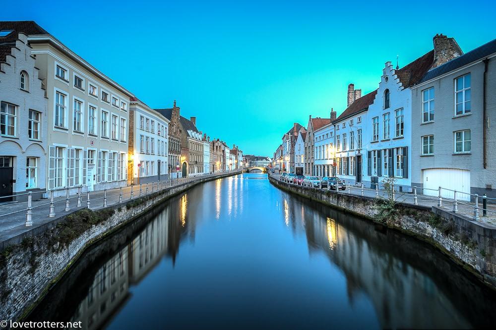Belgique-Bruges-by-night-7