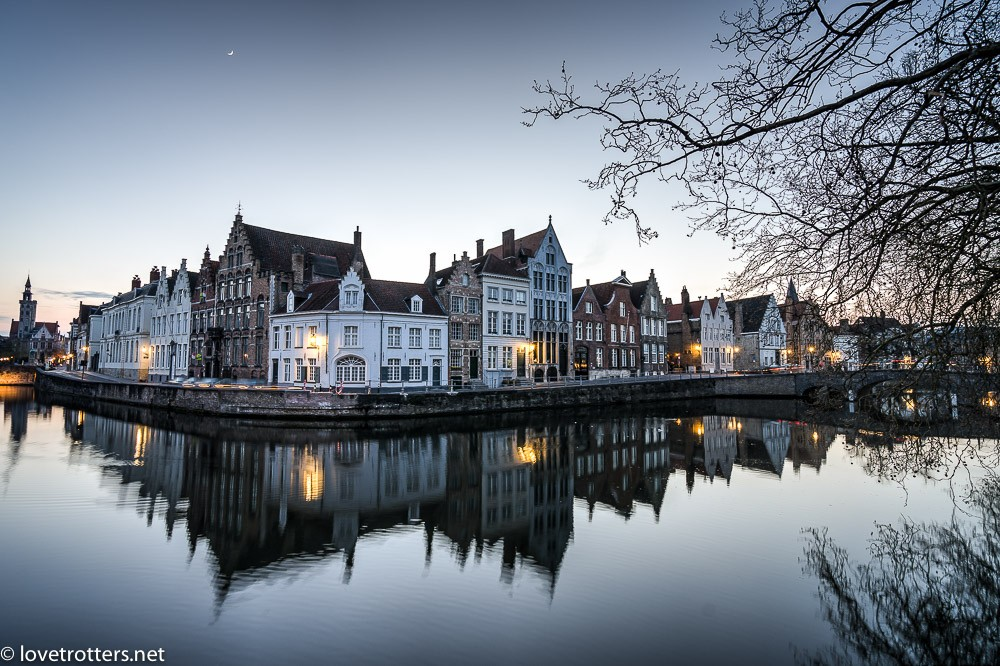 Belgique-Bruges-by-night-72