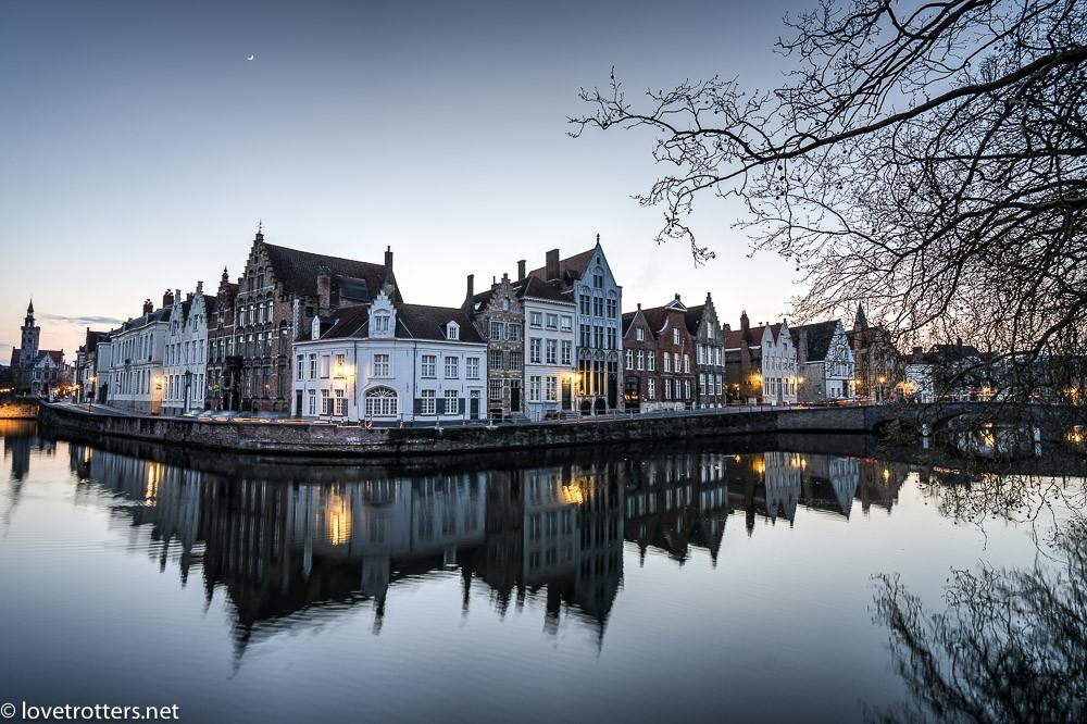 Belgique-Bruges-by-night-72