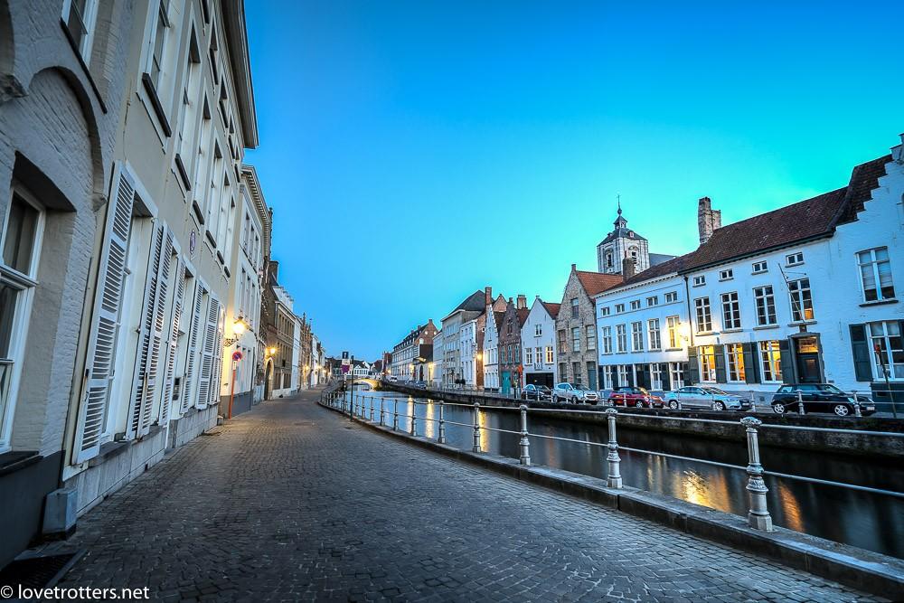Belgique-Bruges-by-night-82