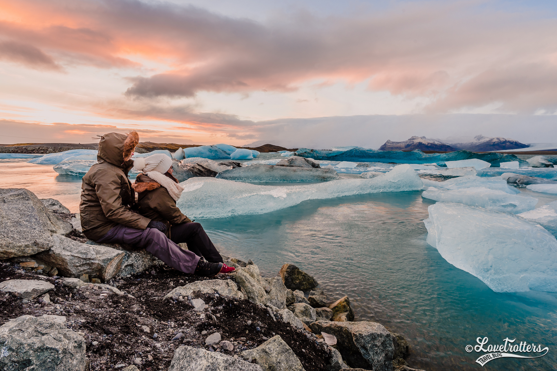 Vue sur le lagon Jokulsarlon en Islande l'hiver