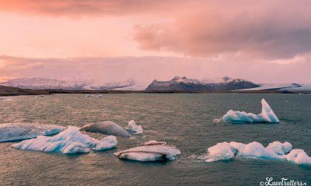 Les icebergs se précipitent pour mourir : Jokulsarlon et la plage des diamants en Islande