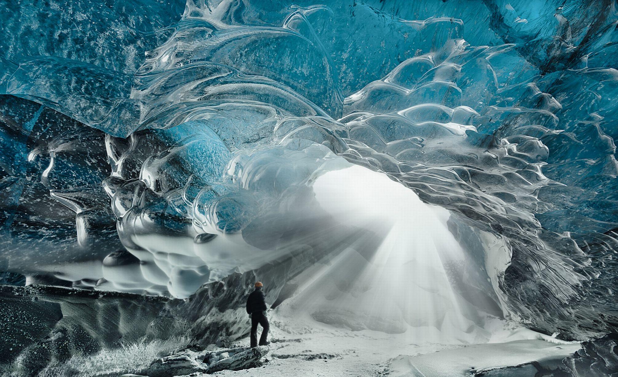 Caverne de glace au Jokulsarlon en Islande (Photo: HotSpot Media)