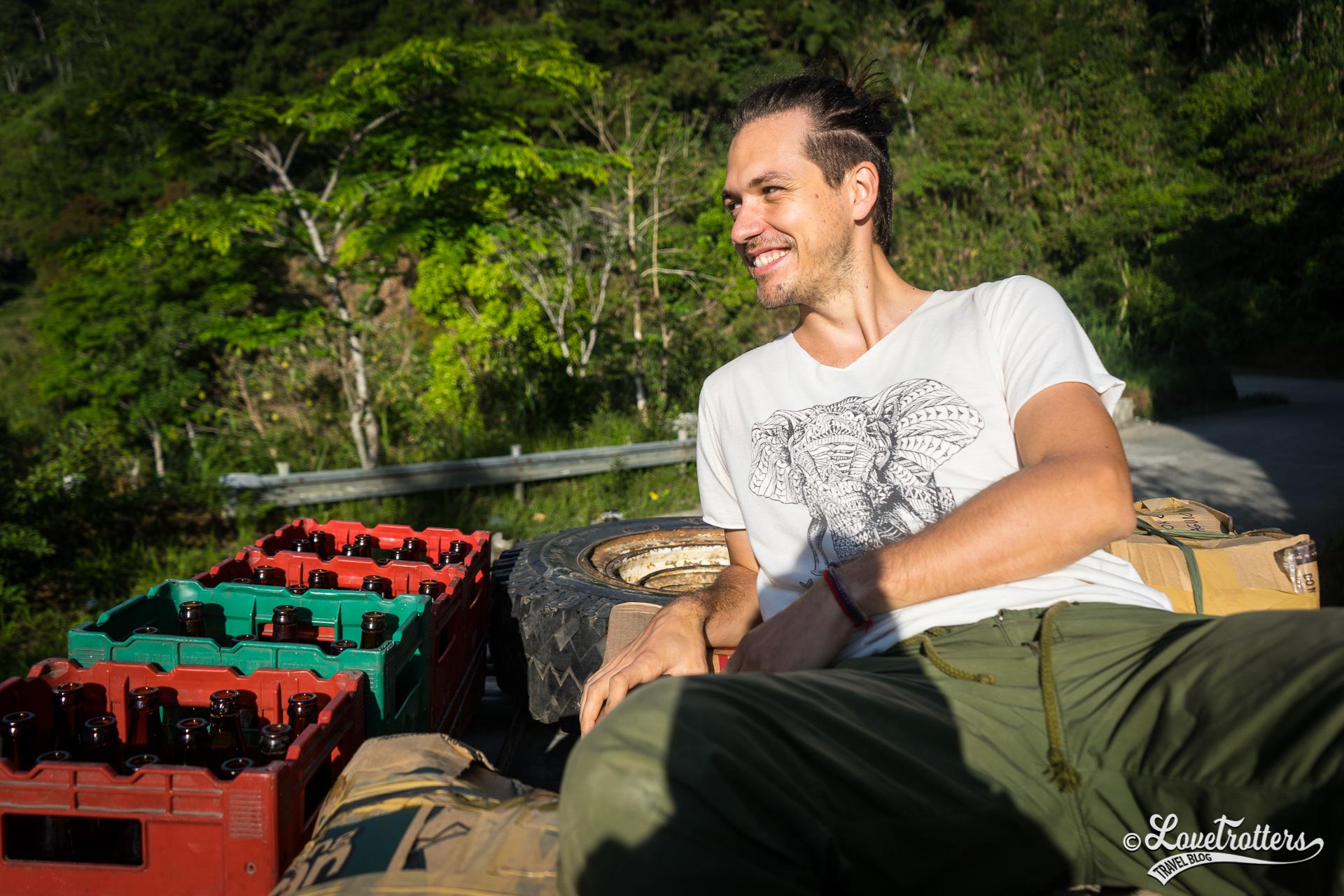 Voyage aux Philippines sur le toit d'un jeepney