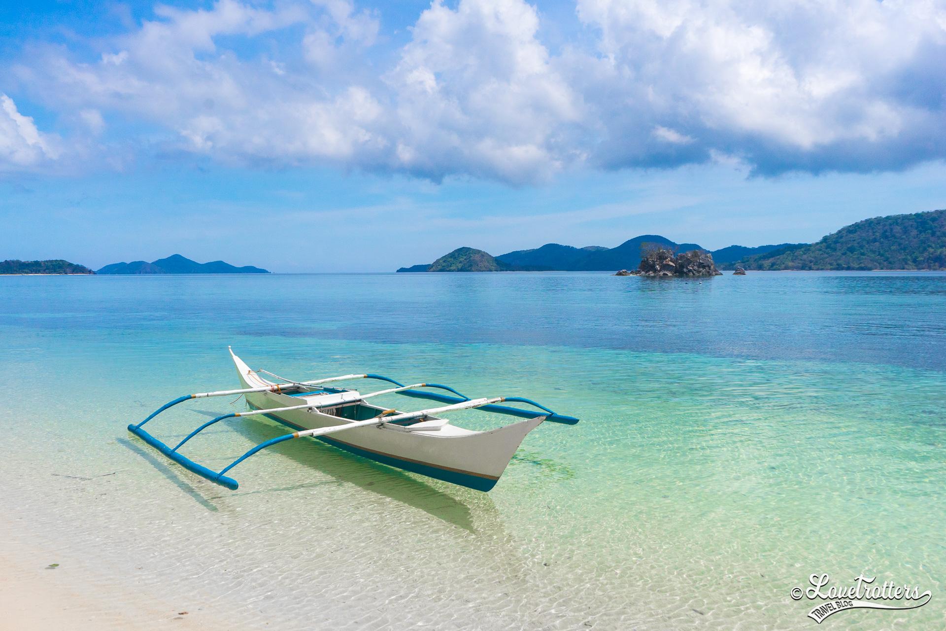 Une bangka, un bateau balancier des Philippines