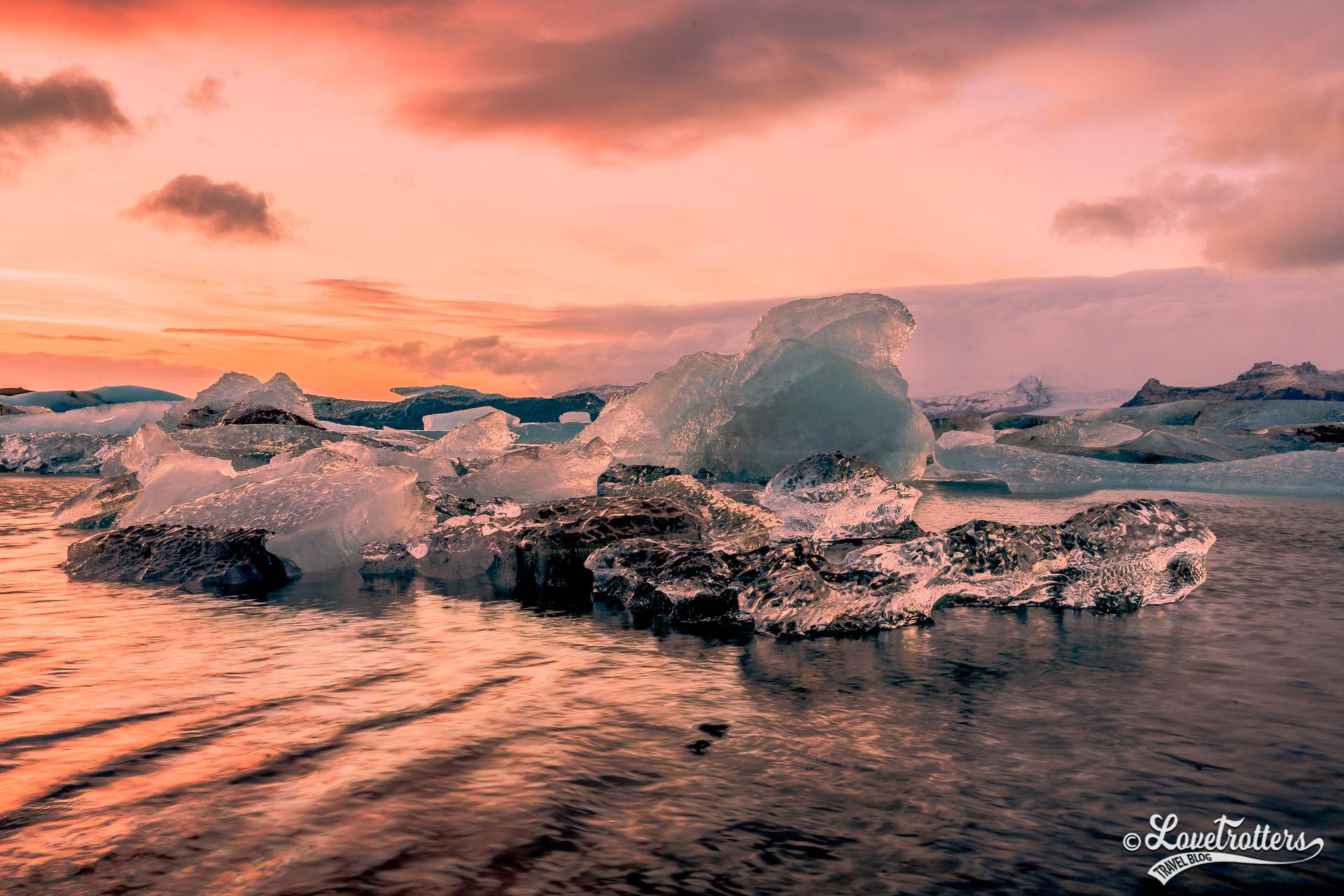 L la lagune glaciaire Jokulsarlon et la plage des diamants en Islande