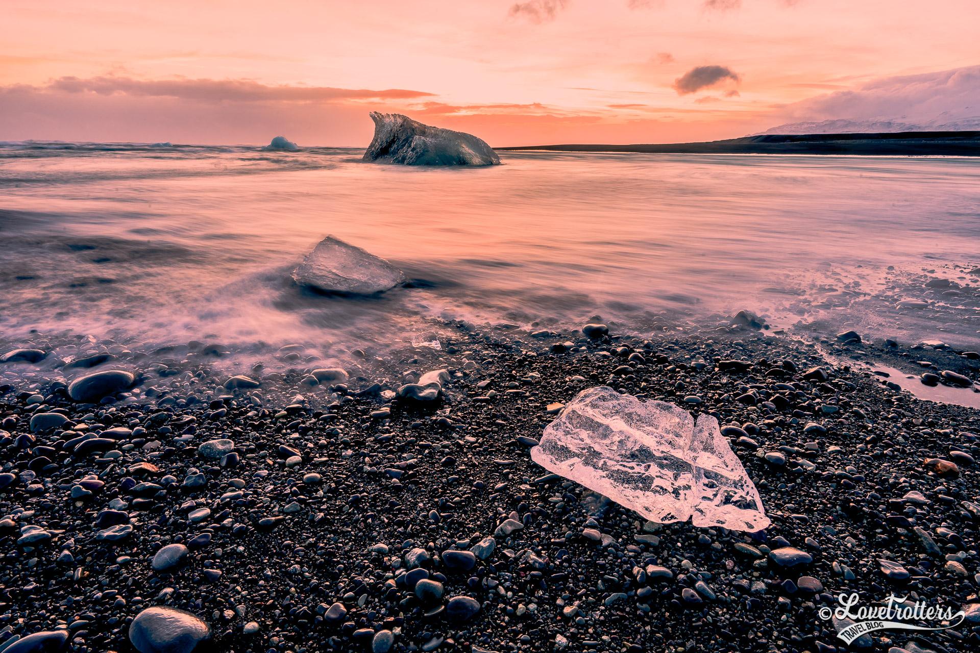 Une des plus belles plages en Islande : La plage des diamants au Jokulsarlon