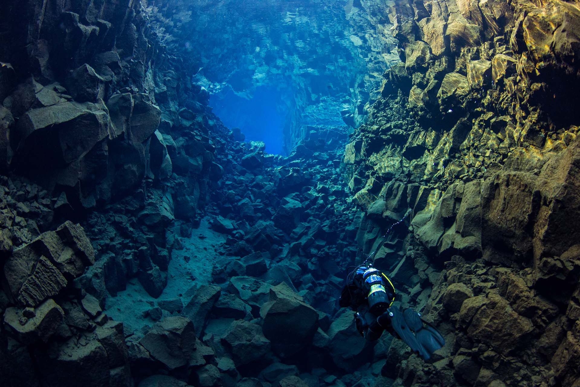 Faire de la plongee en islande