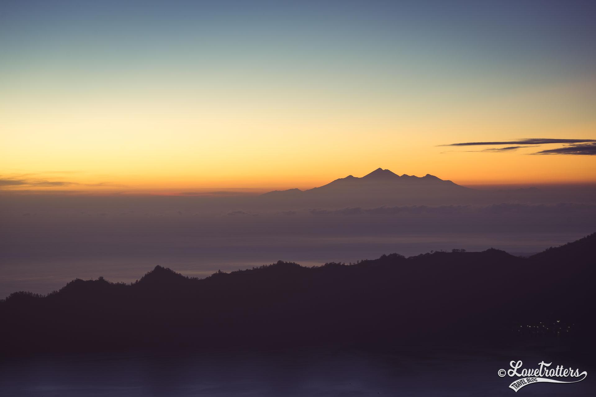 Voyage à Bali - Vue du haut du mont Batur au lever du soleil